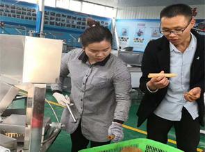山东山西客户订购3台全自动蛋卷机